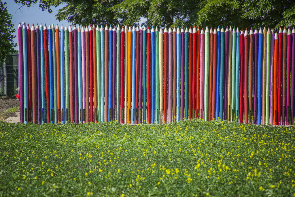 FM MIXER 2016 Red River Zoo 34 - Colored Pencil Fence