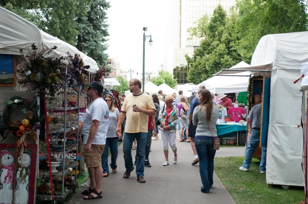 Shopping booths at Island Park Craft Show in Fargo