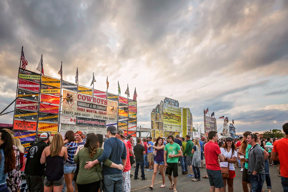 Rib vendor stands at Happy Harry's Ribfest in Fargo, ND