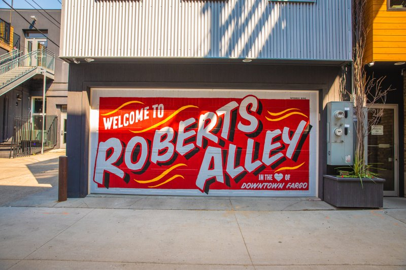 Roberts Alley mural in Downtown Fargo